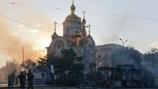 В некоторых районах Донецка не утихают залпы