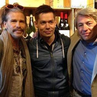 Лидер Aerosmith провел вечер в компании Шнурова и Пьехи