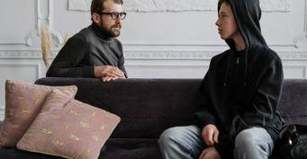 Эмоциональная поддержка и отсутствие криков: как разговаривать с подростком о вредных привычках