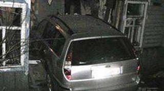 В Докшицком районе машина врезалась в нежилой дом