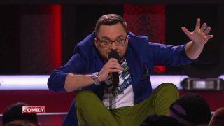 Иван Половинкин насцене Comedy Club Фото: Youtube