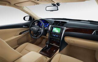 Фото: Салон Toyota Camry XV50, источник: Toyota