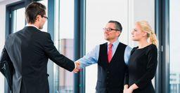 Эксперт издания назвал три способа найти квалифицированных людей на работу