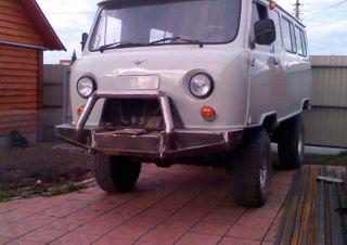 Фото: тюнингованный УАЗ 452, источник: Drive2