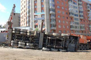В Забайкальском крае водитель автокрана не справился с управлением и погиб