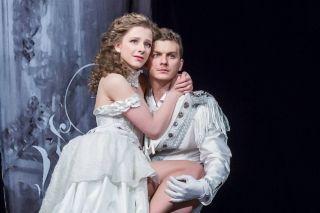 Арзамасова иБледный играют Ромео иДжульеттуФото: mtdata.ru