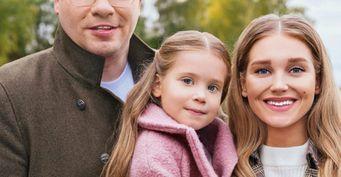 Хронология странных событий развернулась в семье Асмус и Харламова за год до развода