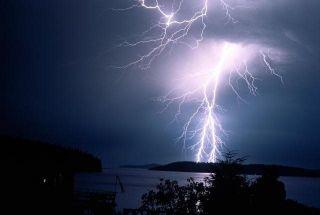 Ученые создали климатическое оружие, управляющее дождями и молниями