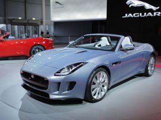 В России начали продавать спорткар Jaguar F-Type