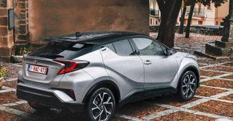 В сети появились фото Toyota C-HR на российских дорогах