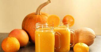 Витаминная подзарядка: 3 ярких рецепта смузи изсезонных фруктов иягод