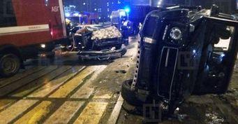 Страшное ДТП с участием Gelandewagen и BMW произошло на востоке Петербурга