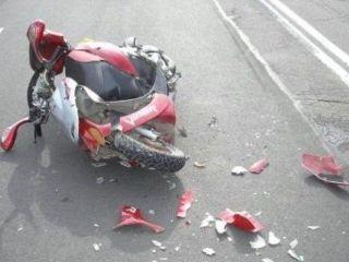 Под Почепом водитель скутера сбил 23-летнюю девушку