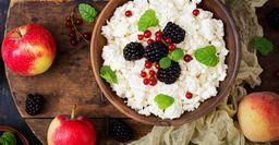 Сладкий творожный фарш с фруктами: Летнее блюдо из свежих плодов