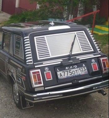 «Тазик Фаберже»: Ультрахромовый тюнинг ВАЗ-2104 рассмешил ценителей «колхоза»