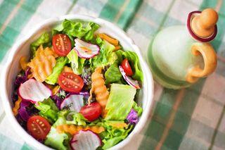 Нескучные заправки превратят салат в ресторанный шедевр   Фото: Рixabay