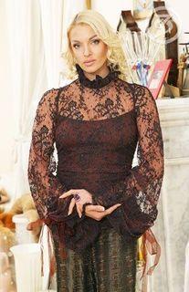 Волочкова выпускает собственную линию одежды