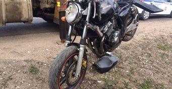 Два человека пострадали в ДТП с мотоциклом в Тверской области