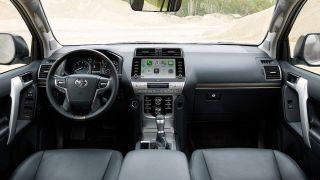 Интерьер Toyota Land Cruiser Prado Black Pack, источник: Toyota