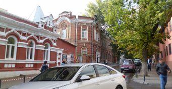 Две Ереванские улицы нагород: Как редактор наHyundai Sonata «проклял» дороги Ростова-на-Дону