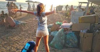 «Туристы насвинячили»: Горы мусора в Анапе возмущают местных