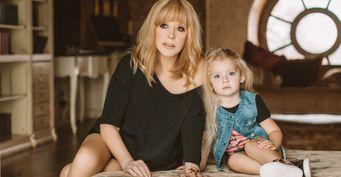 «Неприведи Господи»: Пугачёва опасается блогерской карьеры дочери Лизы