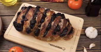Буженина из говядины с черносливом: даже самое жесткое мясо станет мягким