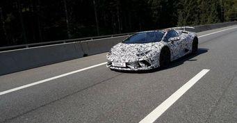 Новый Lamborghini Huracan Performante Spyder заметили на тестах в Германии