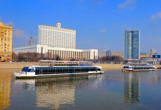 В Столице мужчина свалился в Москву-реку с борта теплохода