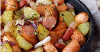 «Двойная» жареная картошка сохотничьей колбаской ияичной панировкой