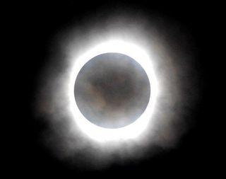 В апреле землян ожидает солнечное и лунное затмение