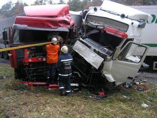 В Удмуртии столкнулись две фуры, есть пострадавшие