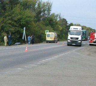 В Липецком районе столкнулись легковая машина, грузовик и автобус