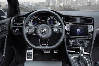 Фото: салон VWGolf R2014 года, источник: Volkswagen