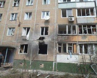 С 6 утра центр Донецка подвергается артобстрелу – очевидцы
