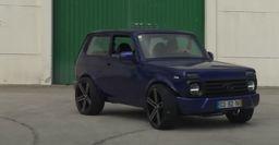 Тюнингованную LADA 4x4 с двигателем от BMW М3 Е46 показал португальский блогер