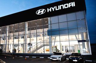 Мастера вдилерских центрах Hyundai любезные, но«навариться» успевают. Источник фото: Drive2