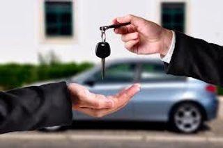 Продажи автомобилей в России упали на 23%