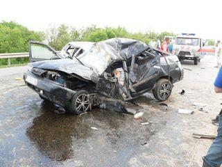 В результате ДТП в Оренбуржье два человека погибли и четверо пострадали