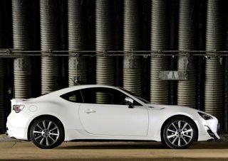 Продажи обновленной Toyota GT86 в России стартуют летом