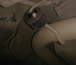 Особое внимание обратить нарезинку крепления глушителя. Фото: Drive2