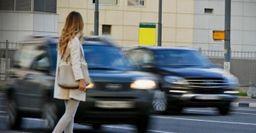 В России повысят штрафы за непропуск пешеходов