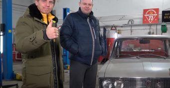 Рубаха-парень ифанат «Жигулей»: Лёха Щербаков из«ЧБД?» похвастался раритетным ВАЗ-2103