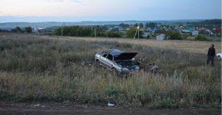 Под Тверью 19-летний водитель не справился с управлением машины и вылетел в кювет