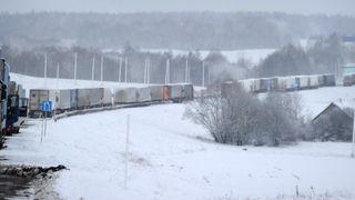Привычная картина для зимней трассы, источник: M4don_info