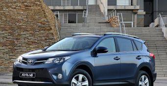 «Из кареты в тыкву»: Обзорщик раскритиковал дизельный Toyota RAV4 IV за динамику и «масложор»