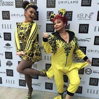Наташа Королева с мамой поразили странными нарядами