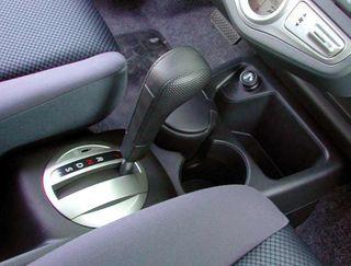 «АвтоВАЗ» обнародовал цену на «Lada Priora» с роботизированной коробкой