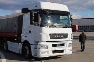 В августе «КамАЗ» выведет на рынок обновленные версии тягачей
