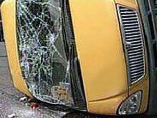 На севере Волгограда в ДТП пострадала 51-летняя пассажирка маршрутки